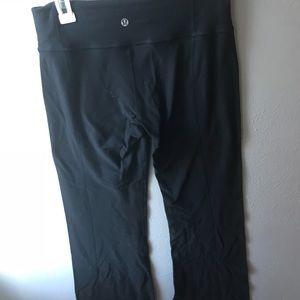 Black lululemon yoga pants size 8!